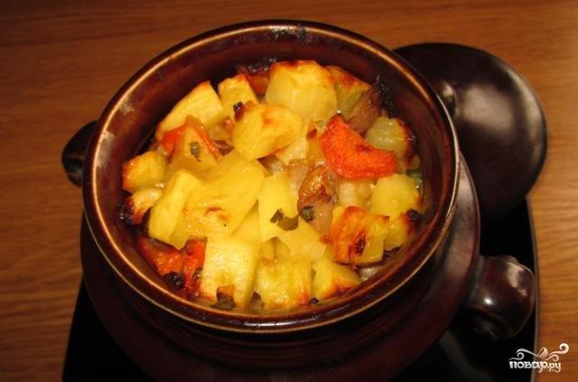 Картошка с мясом в горшочках со сливками
