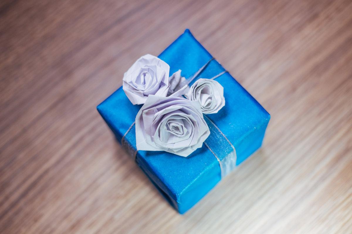 Розы из бумаги на открытках, днем