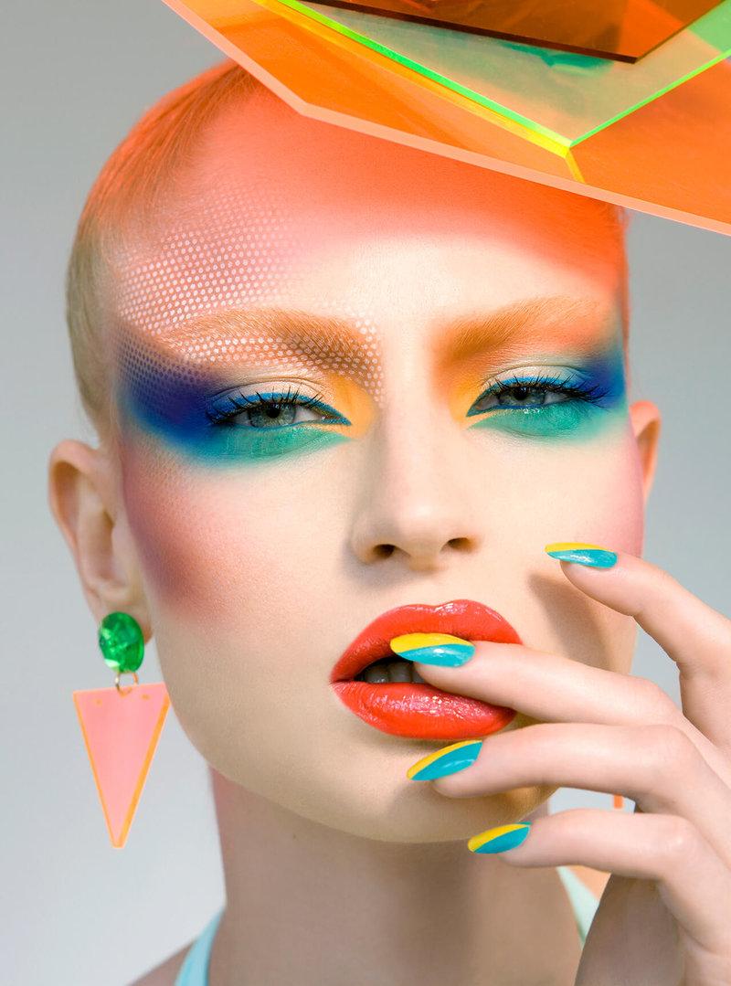Необычный макияж