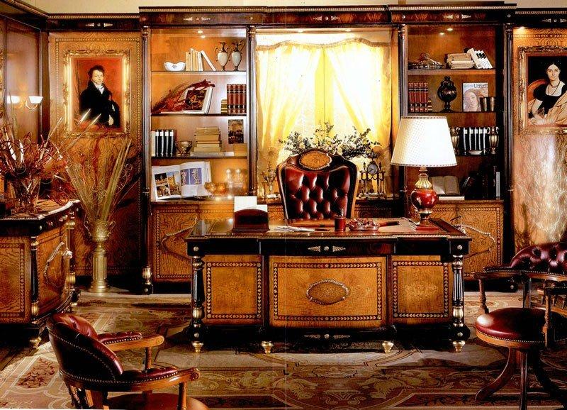Идеальная целостность пространства создавалась, в том числе, однотипными украшениями на разных предметах интерьера.