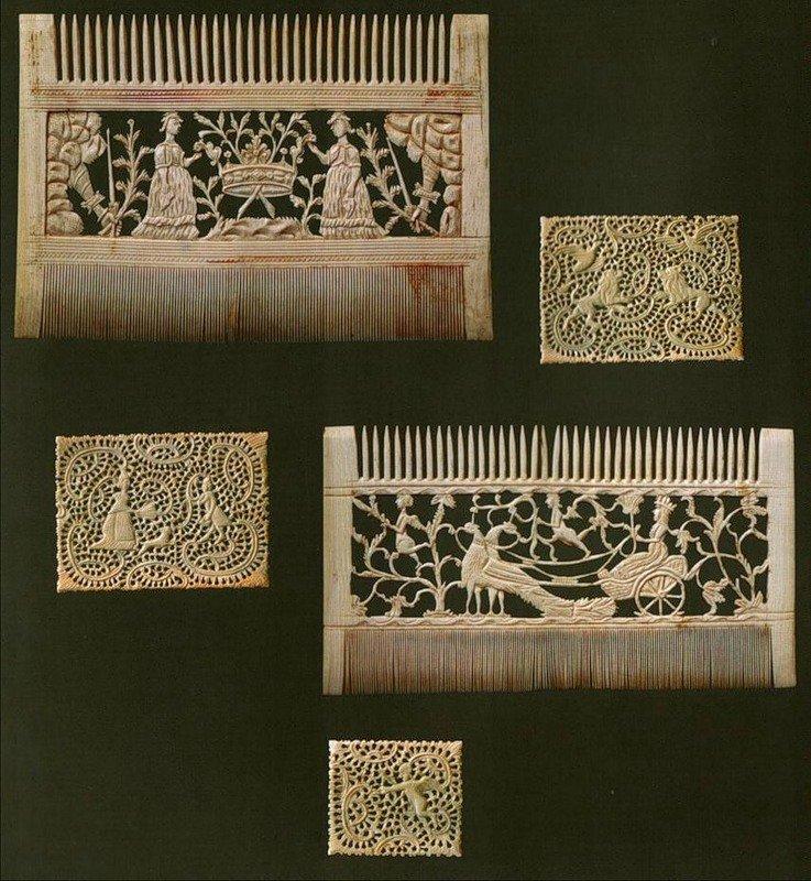 Холмогорская резьба, материал - кость. Гребни