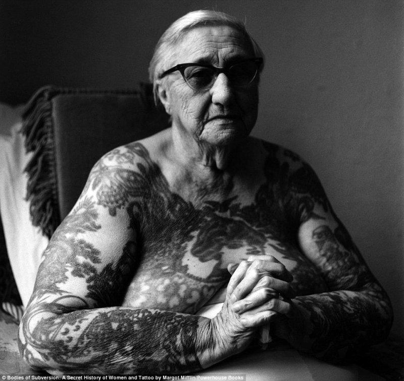 этот старуха с татухой картинки постоянке обычно получают