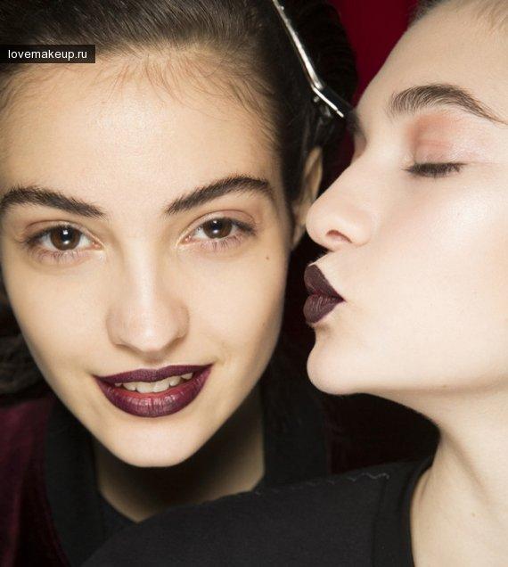 Тренд 2016 темные губы.