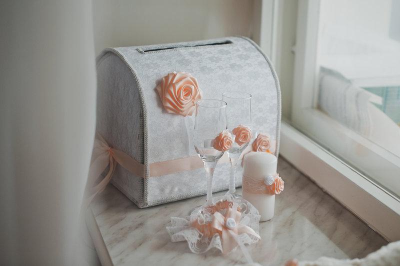 Оформление свадебного сундучка. Как украсить свадебный сундук и где купить этот оригинальный свадебный аксессуар. Фото красивых свадебных сундучков.