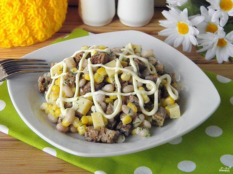 Рецепт салата с кириешками с фото