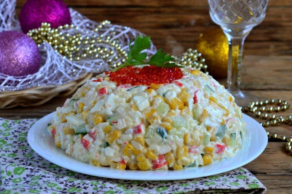 Крабовый салат рецепт классический с кукурузой пошагово