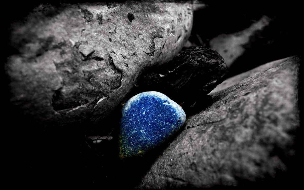 Черно белые картинки с голубым акцентом