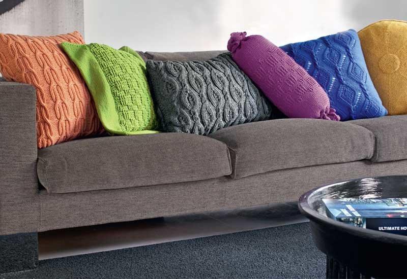 Вязаные подушки для домашнего уюта.