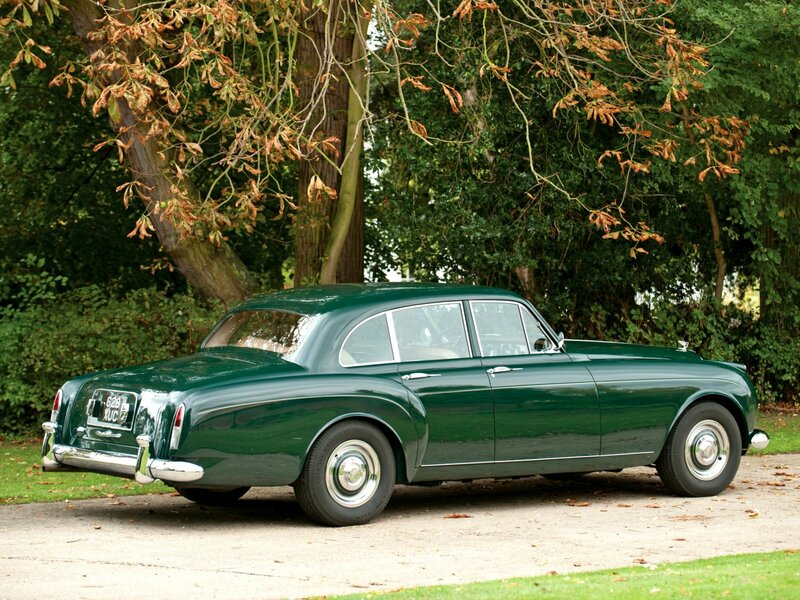 Bentley S2 Continental Flying Spur by Mulliner