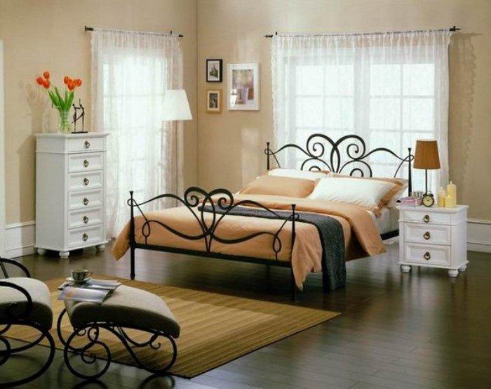 кованая спальная мебель