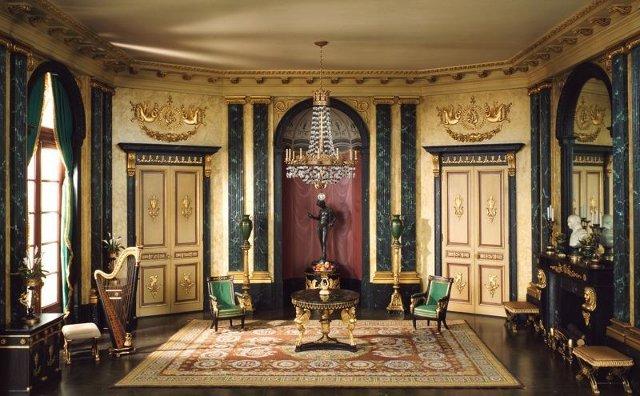 Фото: Кабинет оформленный в стиле ампир