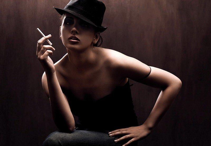 Гламурные дамы с сигарой видео