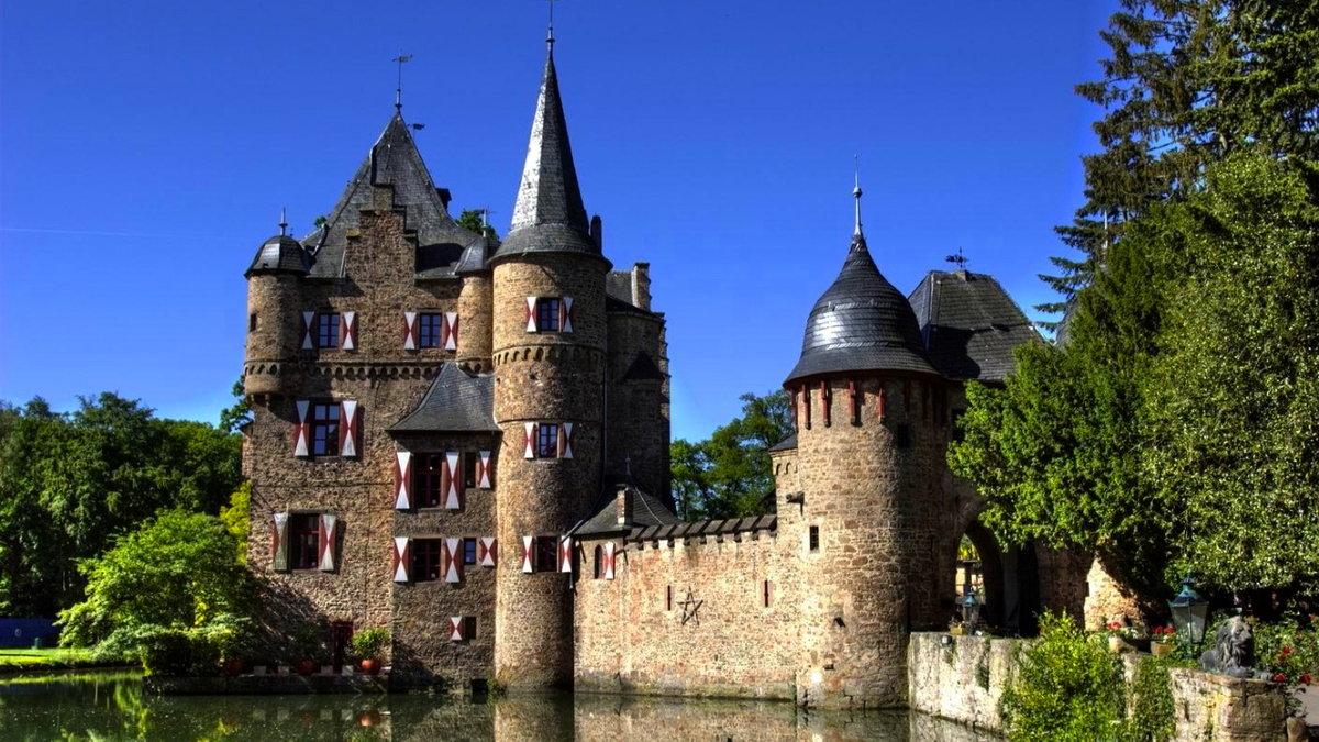 Картинки старинных замков