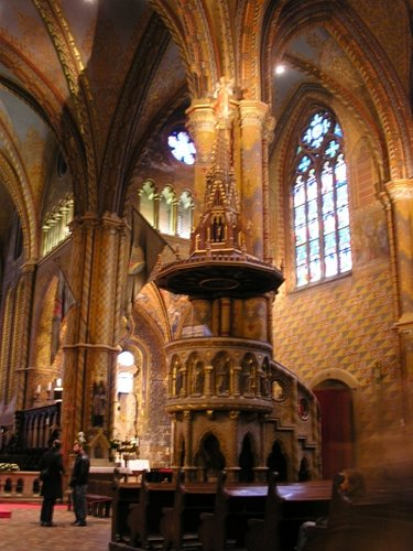 церковь св.матьяша внутри