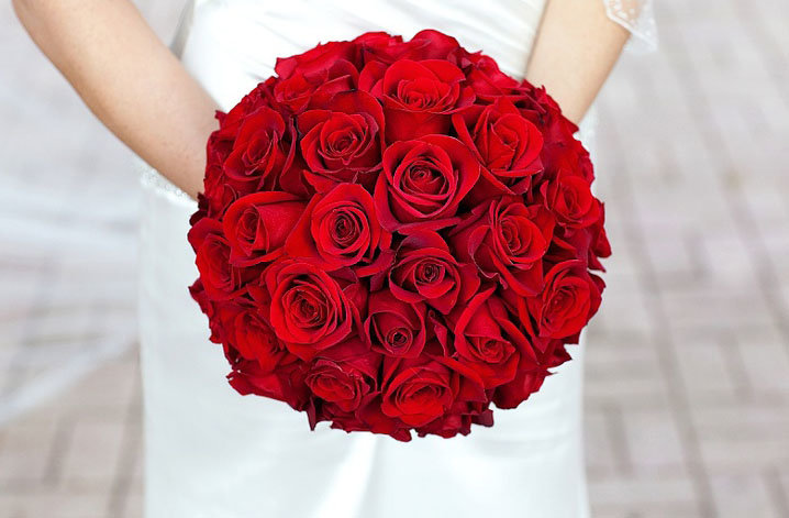 Свадебный красный букет самый красивый, осенних листьев