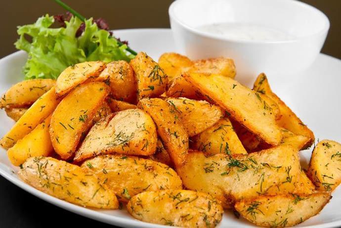 Картошка с куркумой в духовке