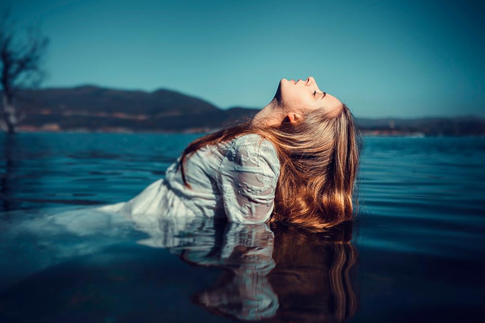 фото на озере девушек