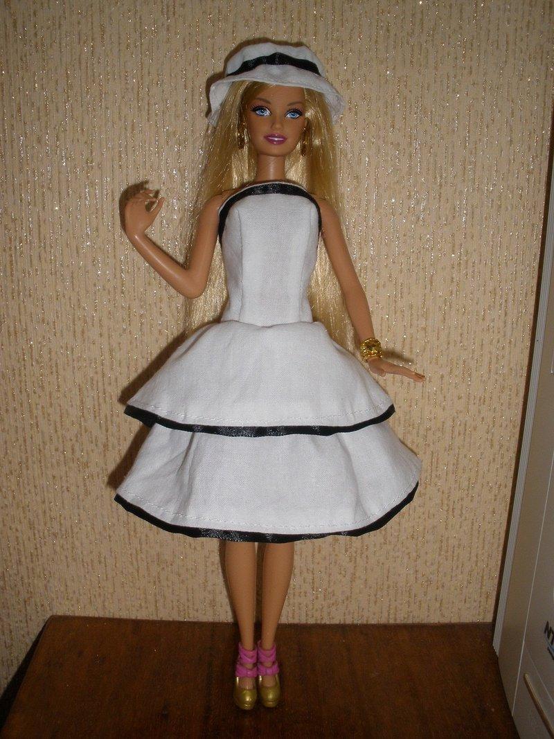 белое платье и шапка к нему