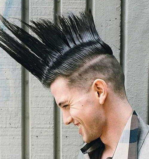 Мужские прически на средние волосы на бок