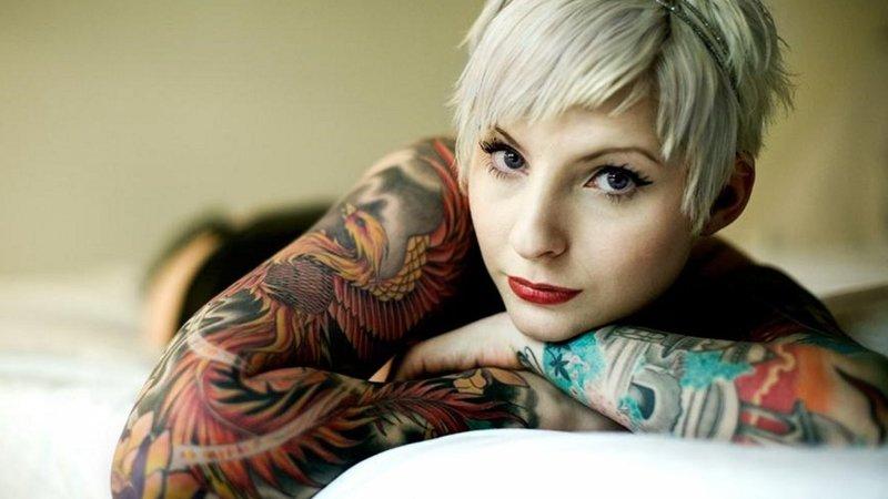 Татуированная блондинка м фото 389-806