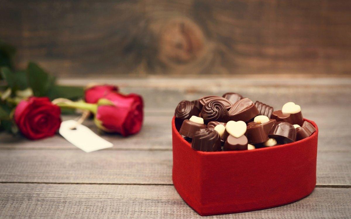картинки с цветами и шоколадками абсурдность