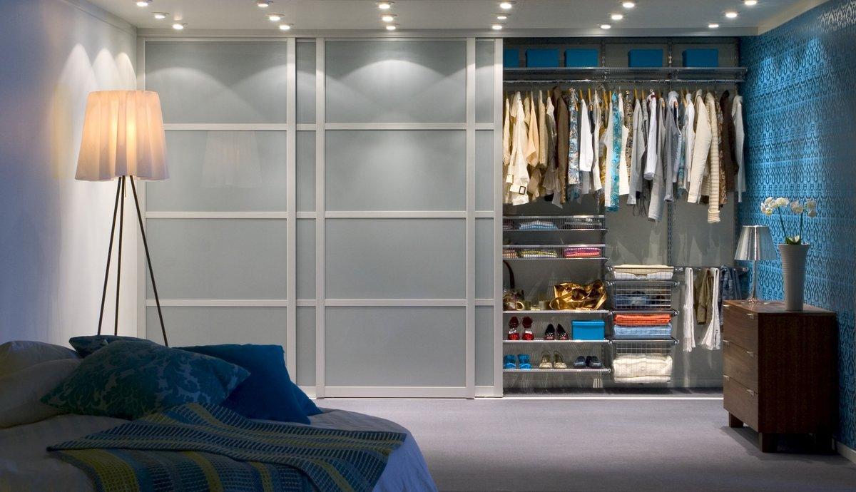 """Шкаф-купе гардеробного типа - мини гардеробная в спальне"""" - ."""