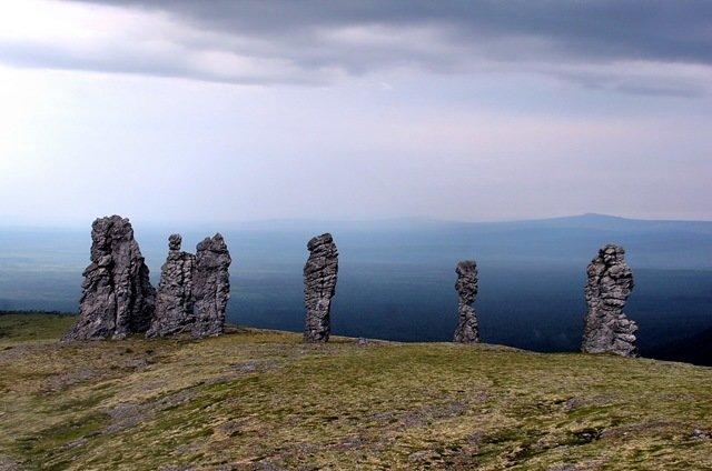 Столбы выветривания (останцы) на плато Мань-Пупу-Нер являются визитной карточкой Урала. Когда-то Столбы выветривания являлись объектами культа манси