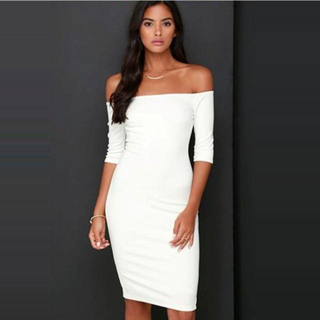 bac35379cf0 облегающее белое платье с открытыми плечами прямого кроя ...