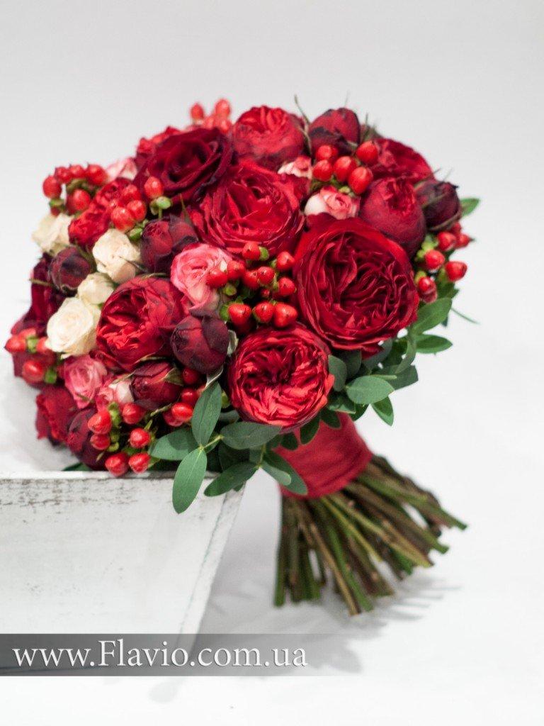 Букет невесты бордово розовый