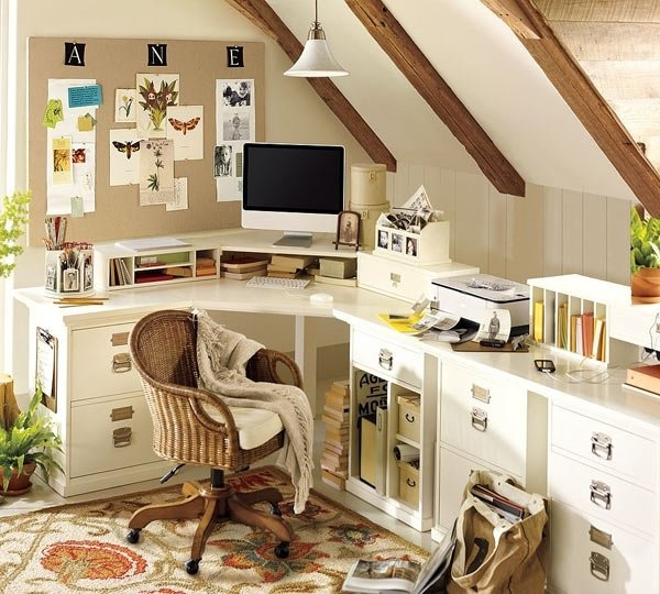 Домашний кабинет - В светлых тонах (на мансардном этаже)