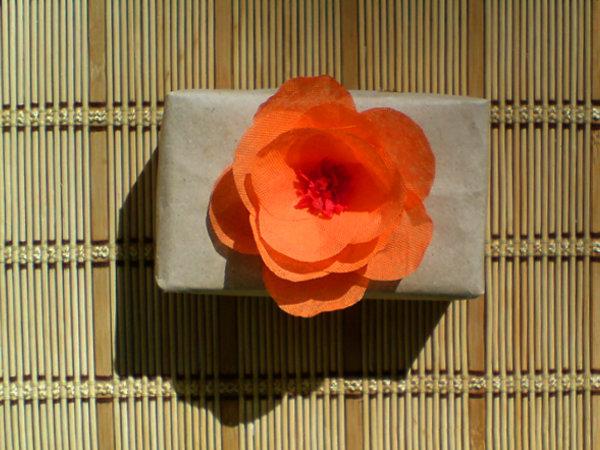 Цветок из бумаги.