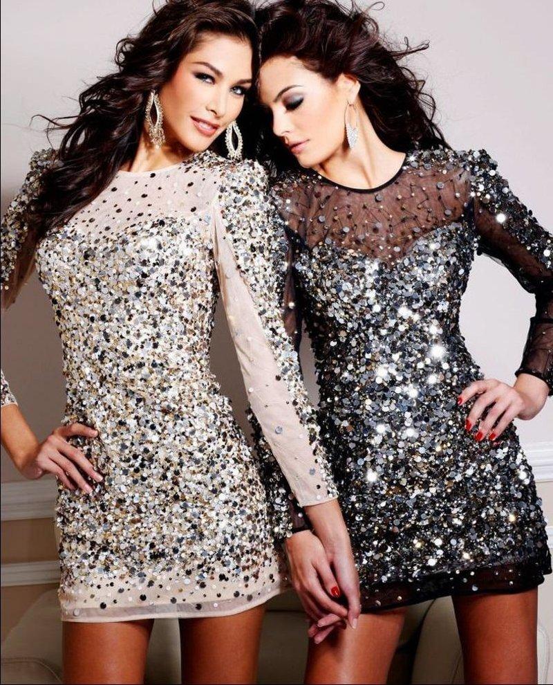 Платье со стразами купить магазины женских пальто в москве адреса