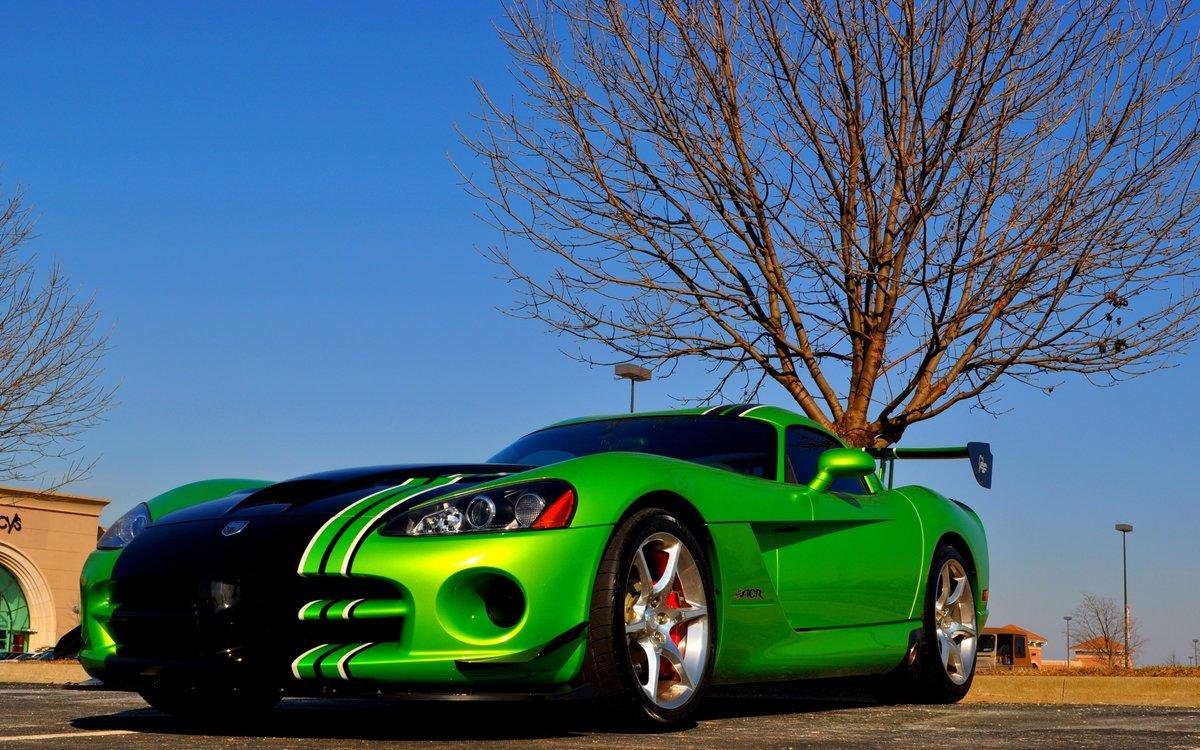 некоторым картинки зеленых машин достаточно