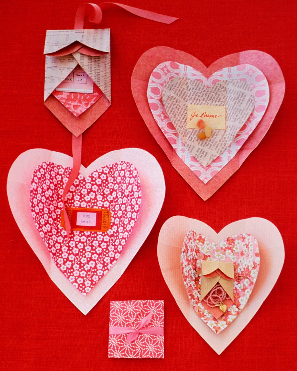 Днем почты, оформление открытки сердечка