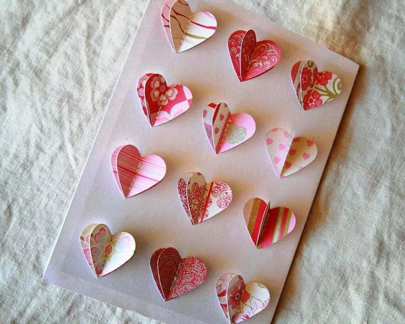 Открытка с сердечками объемными