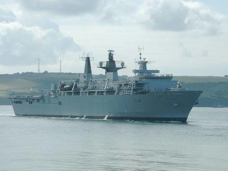 Десантный корабль ВМС Великобритании HMS Albion (L14)