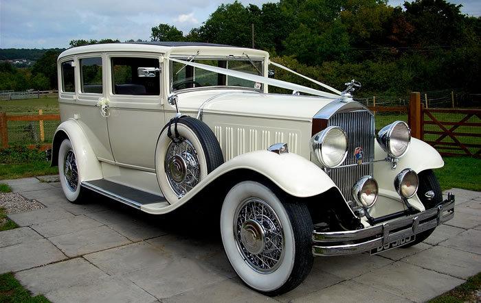 Старинный автомобиль на свадьбу