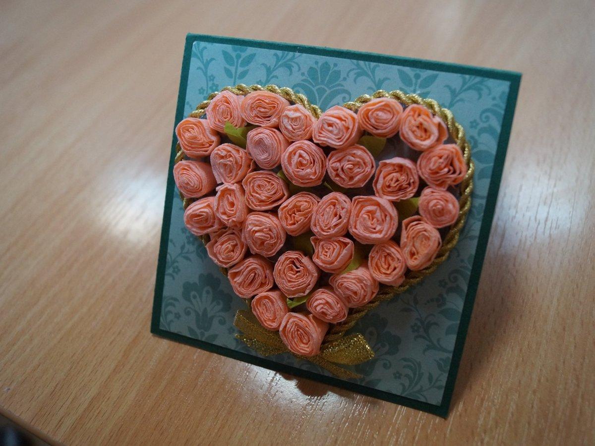 Друзьям днем, открытка с гофрированными розами