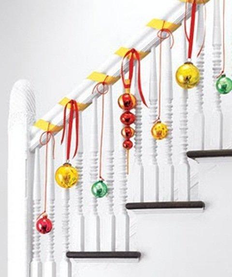 Новогодние гирлянды для лестницы