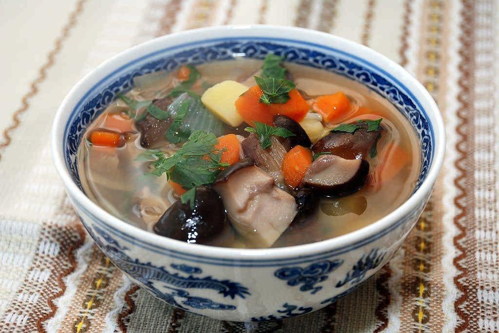 Как приготовить вкусный суп из белых грибов