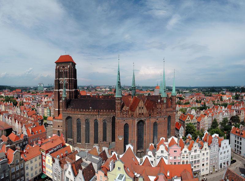 Костёл Вознесения Пресвятой девы Марии (Мариацкий костёл). Kosciol Mariacki. Строился с 1343 по 1502 годы. Считается самым высоким готическим храмом в Восточной Европе.
