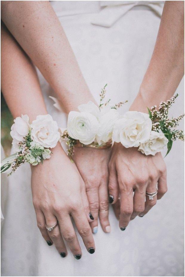Браслеты с цветами для невесты 54