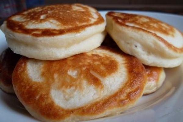 Рецепт оладьев дрожжевых на молоке пошагово для