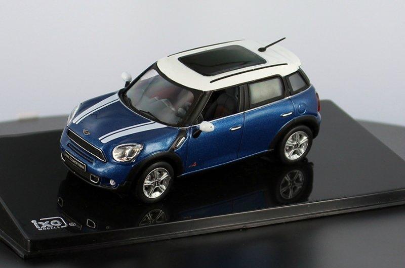 Масштабная модель 1/43 MINI COUNTRYMAN Cooper S 2011 Metallic Blue & White.
