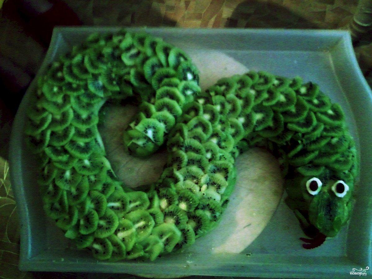 фотографируете торт в виде змеи фото комбинирование