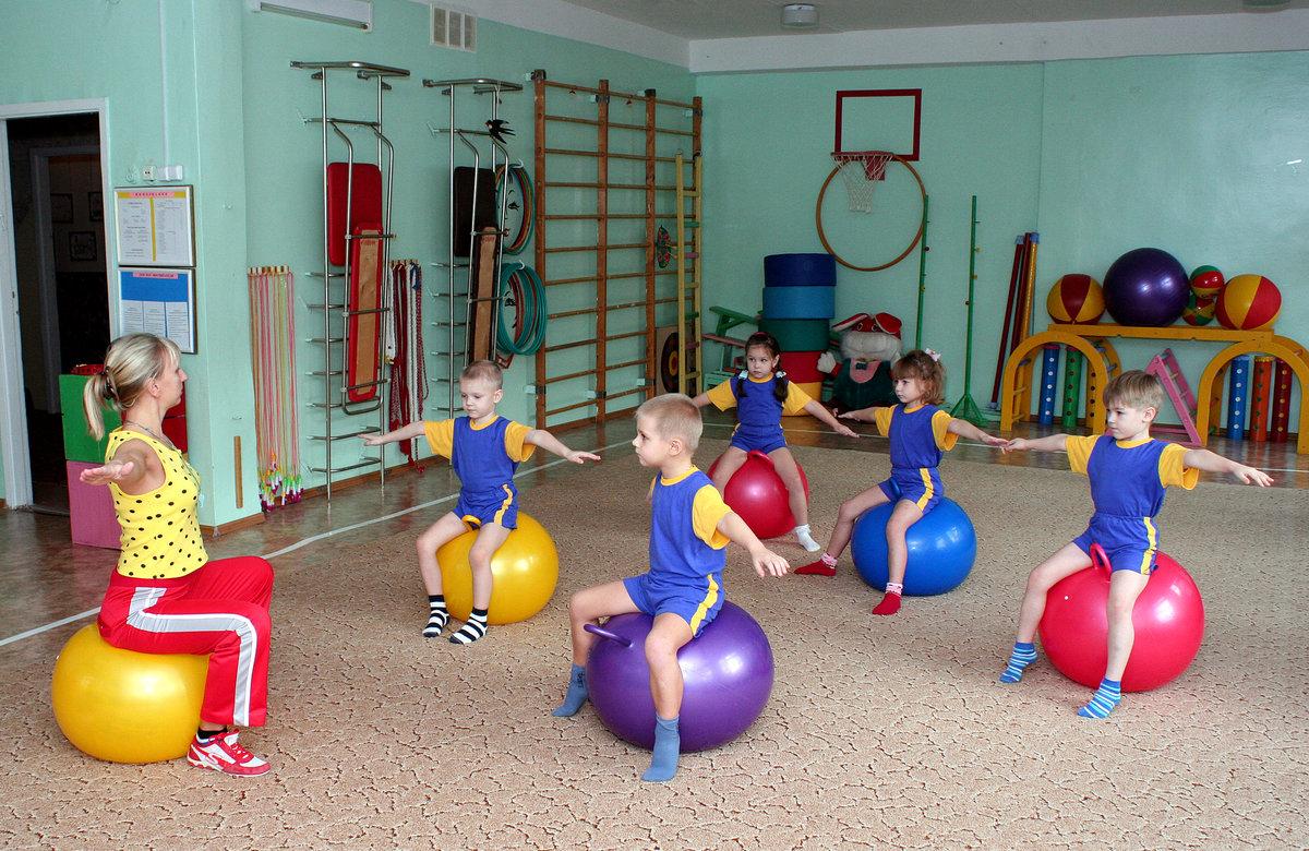 Фото дети в детском саду на физкультуре