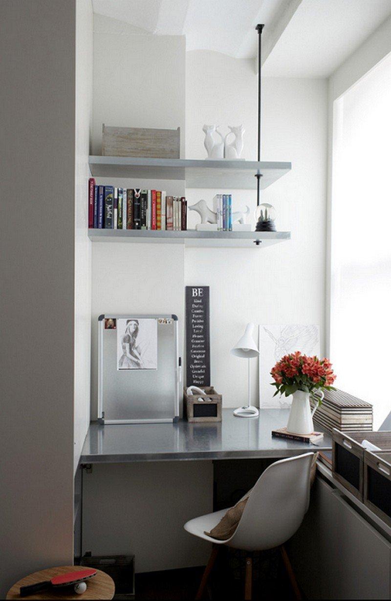 Кабинет на балконе или лоджии будет не менее функциональным и удобным, чем в большом пространстве.