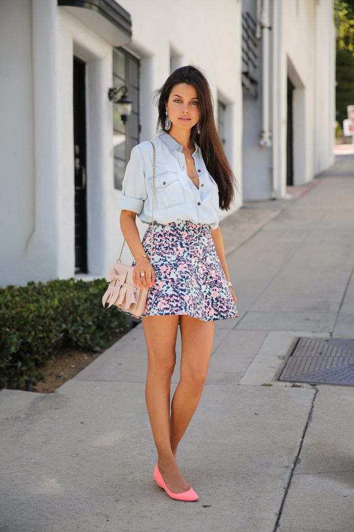 летом в мини юбках