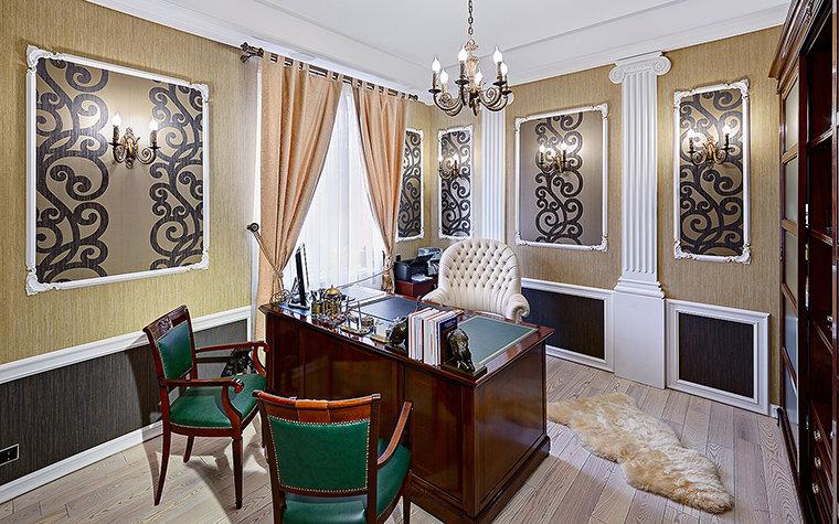 Рабочий кабинет оформлен в стиле современной классики с элементами ар-деко.