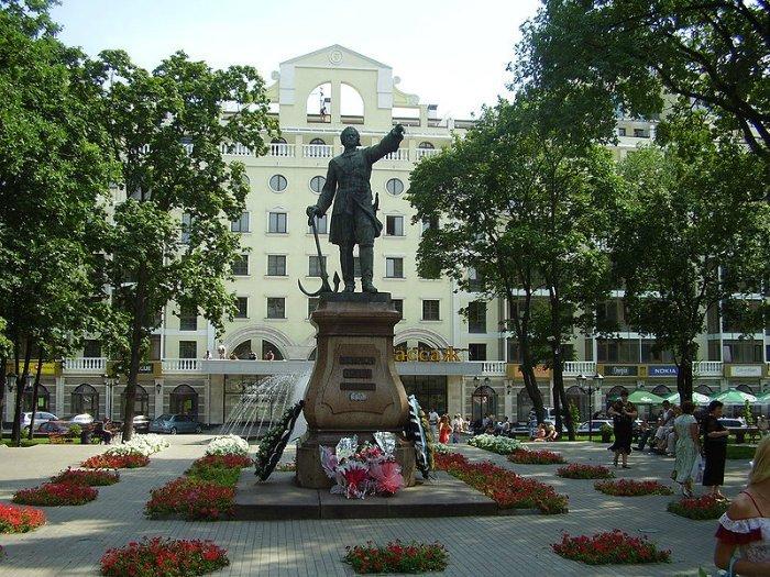 Памятник Петру Первому Воронеж.
